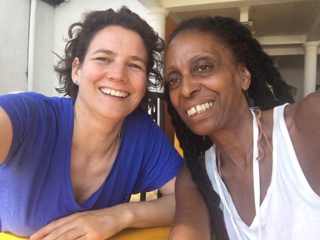 Bettina Linstrum from Arts Agenda - with Mary Genis - arrives at Suramedura in Sri Lanka.
