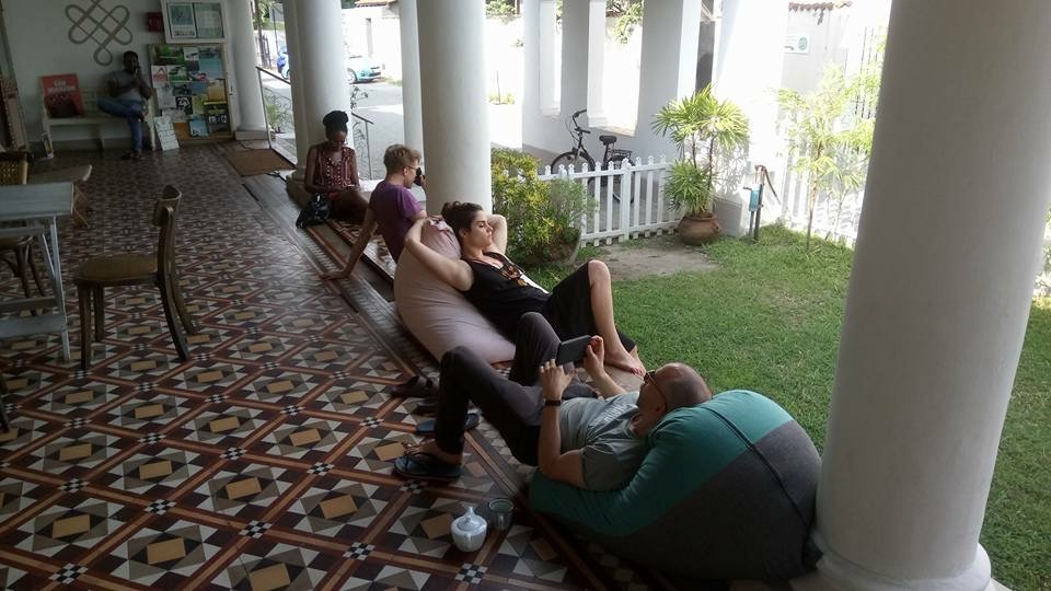 Relaxing at the Prana Lounge in Colombo. Pic by Ross Whyte